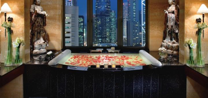 Mandarin Oriental Hong Kong Suite Bathroom