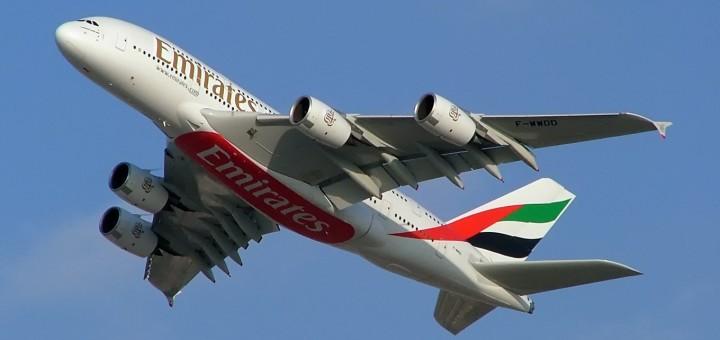 Как найти и купить билеты эконом класса на самолет дешево? ТОП советов по поиску авиабилетов по всем авиакомпаниям! На фото Аэробус А380 Emirates. Фото www.en.wikipedia.org