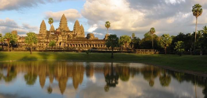 Вечерний вид на Храм Angkor Wat, Angkor, Cambodia. Фото www.wikimedia.org