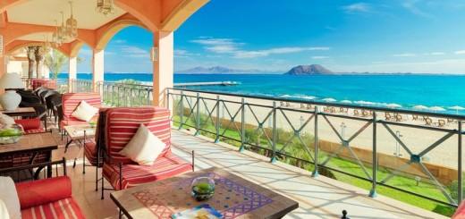 Gran Hotel Atlantis Bahia Real (Фуэртевентура, Канарские острова) - роскошный отель рядом с природным парком дюн Корралехо (Corralejo). Фото www.atlantisbahiareal.com