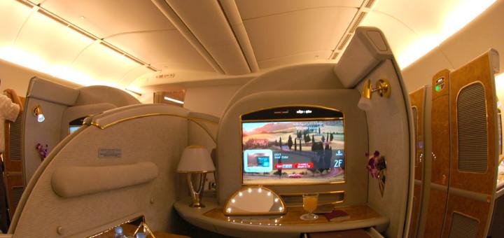 Первый класс Suite в самолете Boeing 777-200LR авиакомпании Emirates. Фото www.wikimedia.org