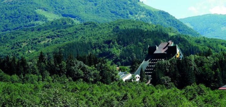 """Отель""""Bianca Resort & Spa"""". Национальный парк Биоградская гора, Колашин, Черногория"""