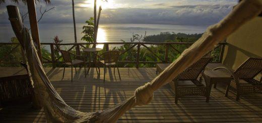 """Лучшие отели Коста-Рика в тропическом лесу - лодж, эко-отель """"Lapa Rios Lodge"""""""